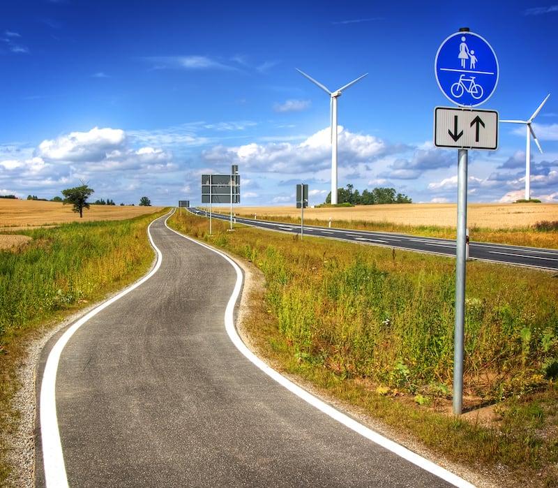 Andere-Teilnehmer-Strassenverkehr-radweg_fuer_beide_richtungen.jpeg