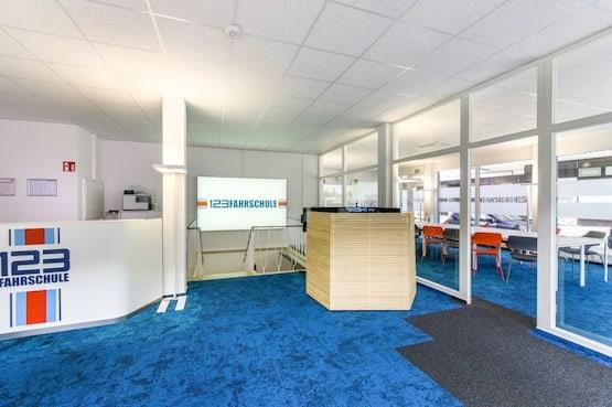 Fahrschule Bochum Empfang und Fahrschul Simulator