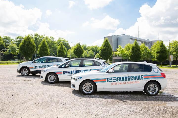 Fahrschule Recklinghausen Fahrzeuge in der Reihe