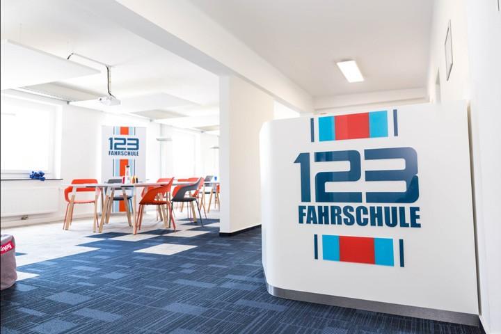 Fahrschule Recklinghausen Unterrichtsraeume und Theke