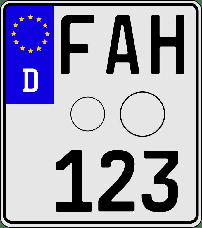 Rechtliche-Rahmenbedingungen-Kennzeichen-Motorrad_Zeichenfläche.png