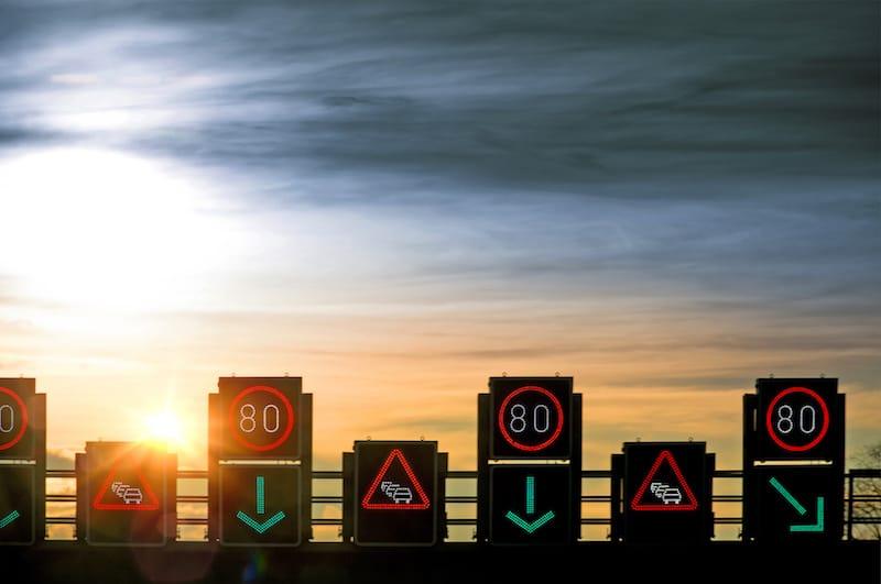Ruhender-Verkehr-Dauerlichtzeichen.jpeg
