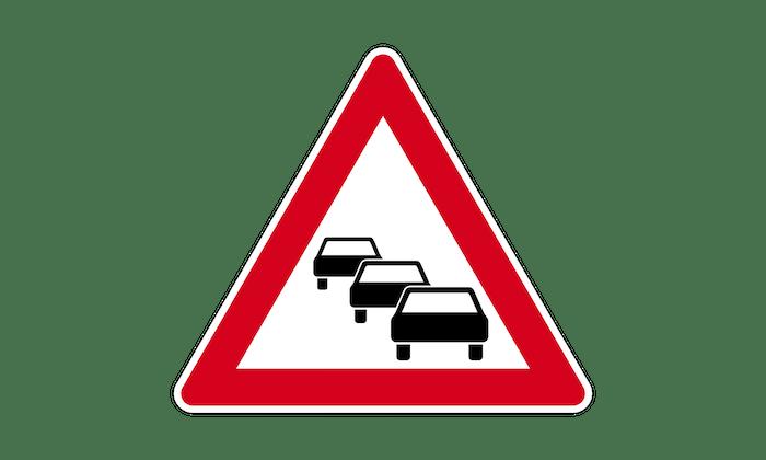 Stau-Verkehrszeichen-Gefahrenzeichen.png