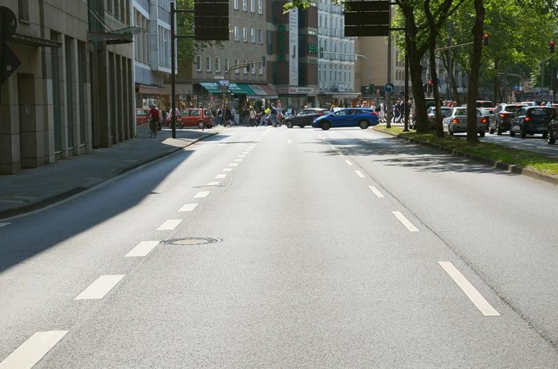 Strassenverkehrssystem - einzelner Fahrstreifen.JPG