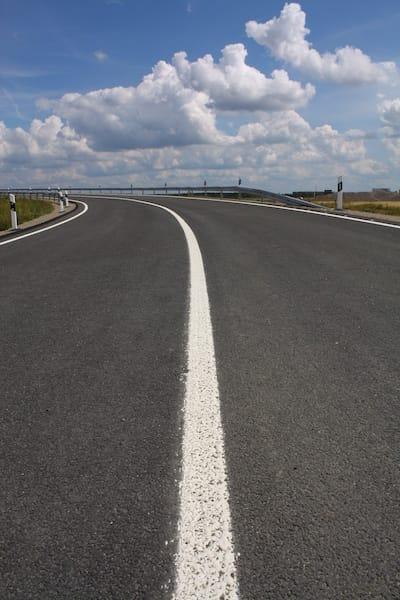 Strassenverkehrssysteme-Nutzung-fahrstreifenbegrenzung.jpeg