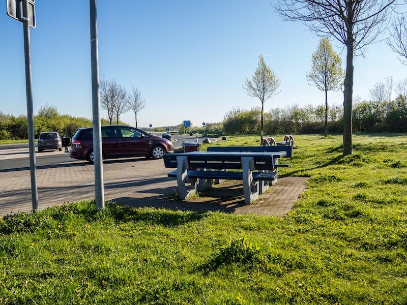 Strassenverkehrssysteme-Nutzung-rastplatz.jpeg