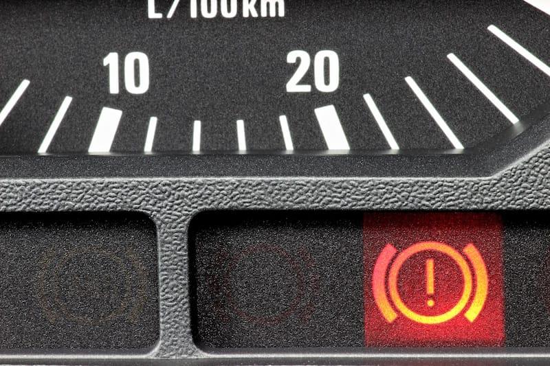 Technische-Bedingungen-umweltbewusster-Umgang-kontrollleuchte_bremse.jpeg