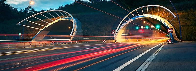 Verhalten-in-besonderen-Situationen-Tunnel-header-w800.jpg