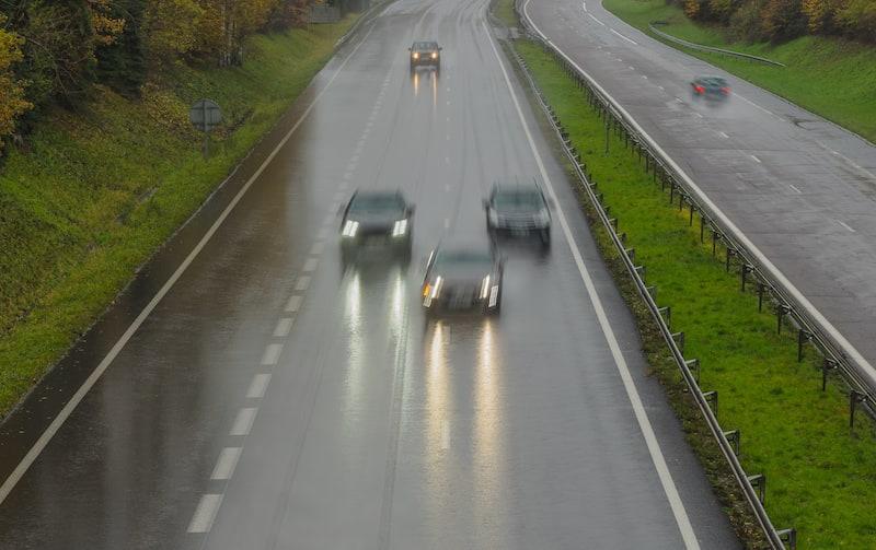 Verkehrsverhalten-Fahrmanoever-Draengler-Autobahn.jpeg