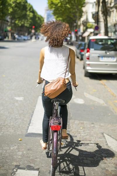 Verkehrsverhalten-bei-Fahrmanoevern-radfahrer_von_hinten.jpeg