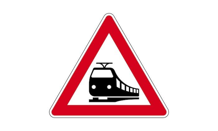 Verkehrszeichen-Bahnübergang.jpg