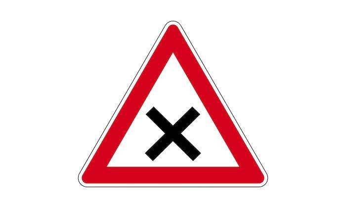 Verkehrszeichen-Kreuzung-oder-Einmündung-mit-Vorfahrt-von-rechts-(rechts-vor-links).jpg