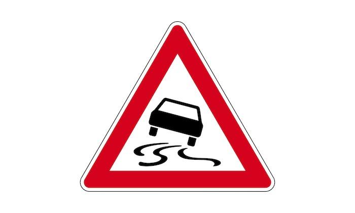 Verkehrszeichen-Schleuder--oder-Rutschgefahr.jpg
