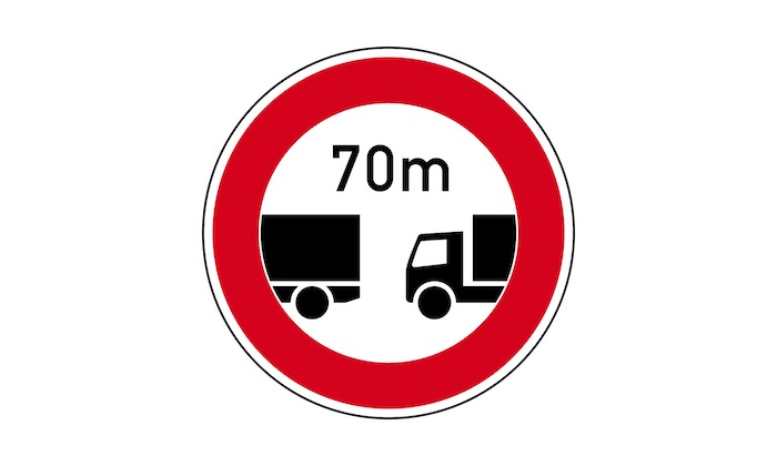 Verkehrszeichen-Verbot-des-Unterschreitens-des-angegebenen-Mindestabstandes.jpg