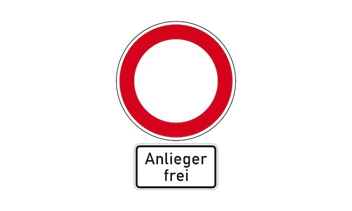 Verkehrszeichen-Verbot-fuer-Fahrzeuge-aller-Art,-Zusatzzeichen_-Anlieger-frei.jpg