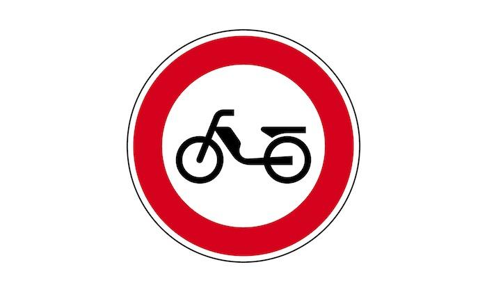 Verkehrszeichen-Verbot-fuer-Mofas.jpg
