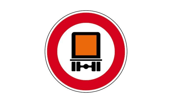 Verkehrszeichen-Verbot-fuer-kennzeichnungspflichtige-Kraftfahrzeuge-mit-gefährlichen-Guetern.jpg