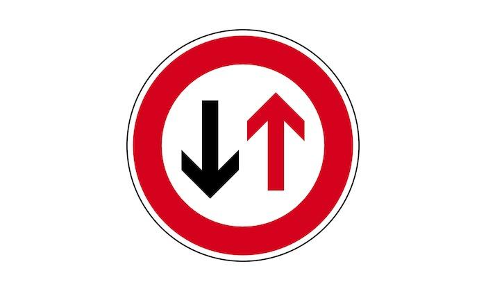 Verkehrszeichen-Vorrang-des-Gegenverkehrs(1).jpg