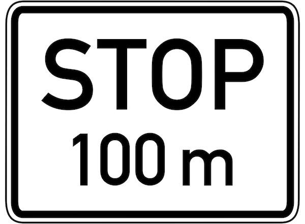 Verkehrszeichen-Zusatzzeichen-Stop-100m.jpg