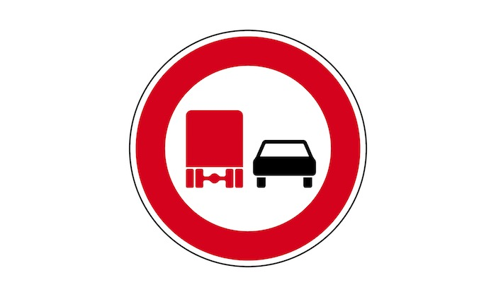 Verkehrszeichen-ueberholverbot-fuer-Kraftfahrzeuge-ueber-3,5-t.jpg