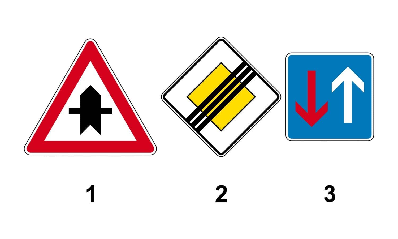 Welches Verkehrszeichen gibt an der nächsten Kreuzung Vorfahrt?