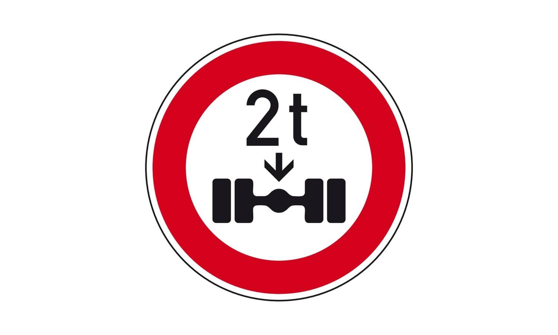 Für welche Fahrzeuge ist das Befahren einer so beschilderten Straße verboten?