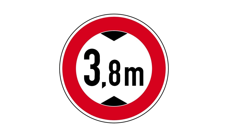 Durch welche Fahrzeuge können bei Missachtung dieses Verkehrszeichens schwere Unfälle entstehen?