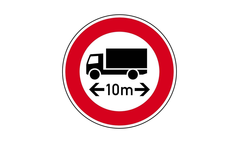 Mit welchen Fahrzeugen dürfen Sie eine so gekennzeichnete Straße nicht befahren?