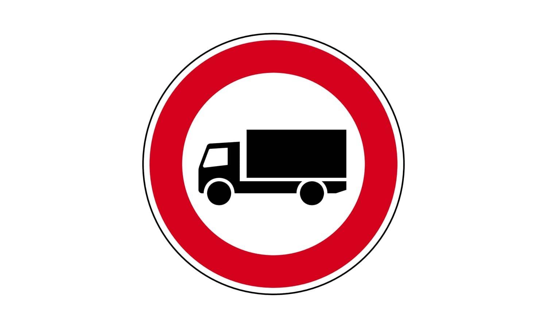 Welche Fahrzeuge dürfen eine so gekennzeichnete Straße nicht befahren?